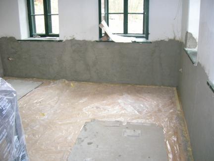 06 Neuer Verputz in Stube und kleinem Zimmer